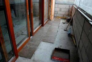 Как утеплить пол на балконе: выбор материалов и особенности монтажа