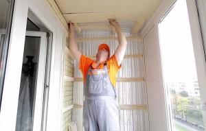 Чем утеплить балкон: материалы и их преимущества