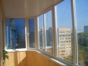 Фото: Теплое остекление балкона